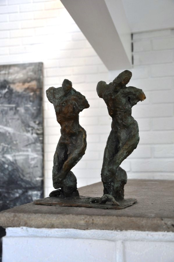 The Pilgrims, bronze, alternative view 2